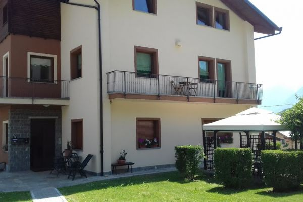 casa-vacanza-aosta-0097DE3238E-79B3-4ED6-0784-56C1F47F7A58.jpg