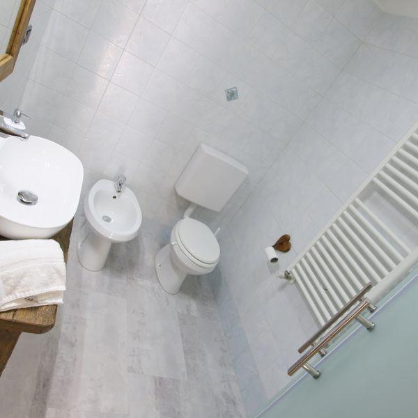 brontolo-casa-vacanza-valle-d-aosta-italy-0083E6C7347-88EE-25B9-9960-E03C1A050A07.jpg