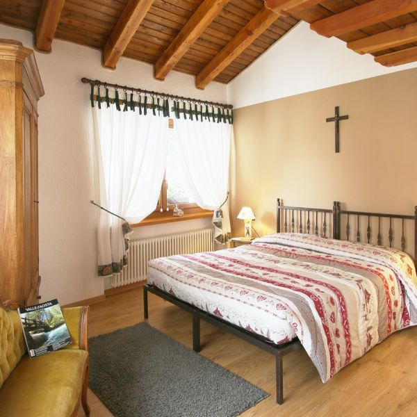 dotto-casa-vacanza-valle-d-aosta-italy-0036B69F482-B996-FD35-F2C6-B03B4E03033D.jpg