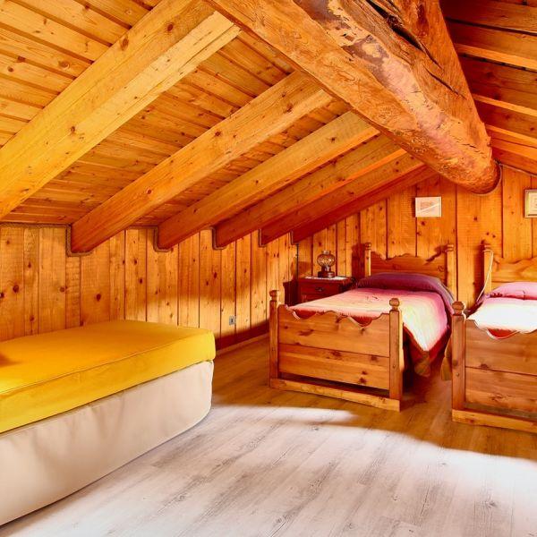gongolo-casa-vacanza-valle-d-aosta-italy-01862C1A2B1-E07C-0734-7CD3-125A00F0261D.jpg