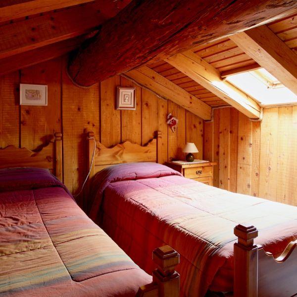 gongolo-casa-vacanza-valle-d-aosta-italy-0199F27B3FA-BDF3-D1FD-E838-D4FAAAB2B103.jpg