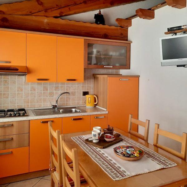cucina-casa-vacanza-mammolo-002-000204DEF99F-A3AD-971D-72FC-3104A5F6C97E.jpg