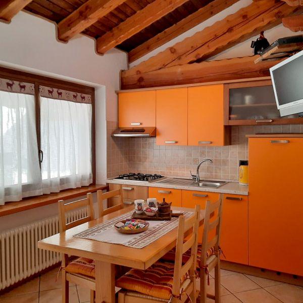 cucina-casa-vacanza-mammolo-004-0002F544C1F7-6A5F-DF0B-23B0-F68DA1450695.jpg